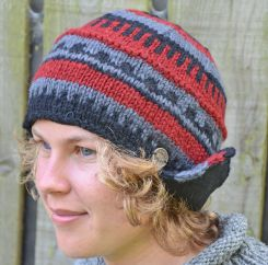 Half fleece lined hand knit helmet hat Black/Grey/Rust